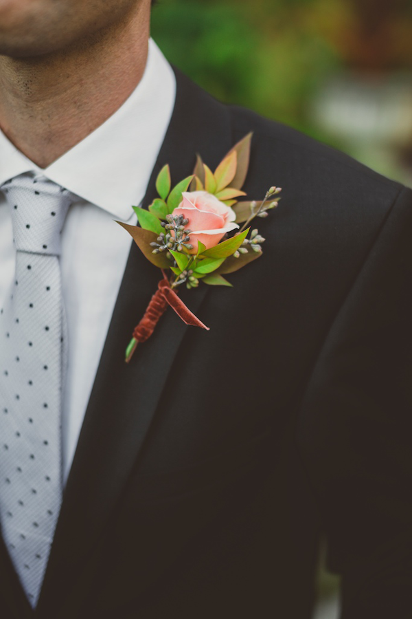 clare-day-farms-wedding-boutonnieres