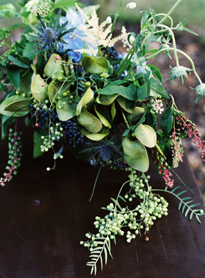 elegant-blue-wedding-centerpieces