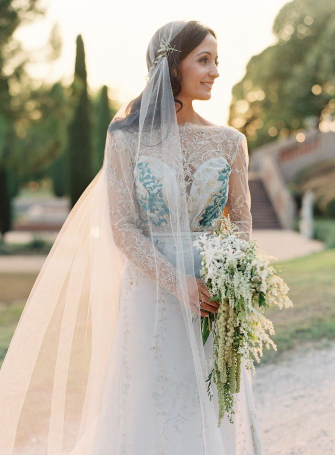 elegant-destination-wedding-bride