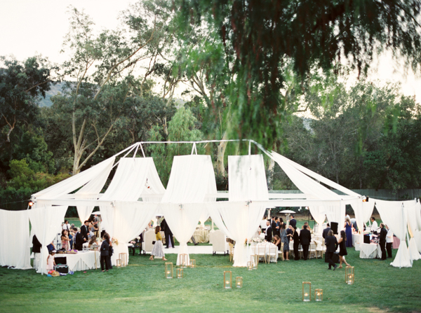 elegant-white-outdoor-wedding-tents