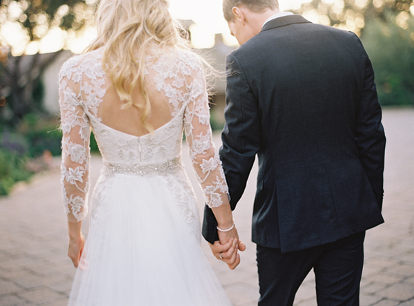 lace-sleeves-delicate-wedding-dress