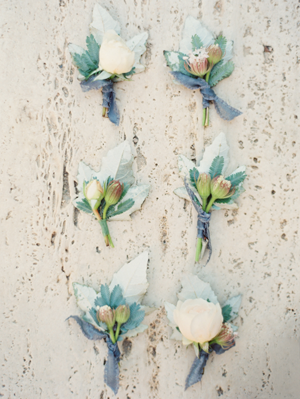 pastel-wedding-boutonniere-ideas