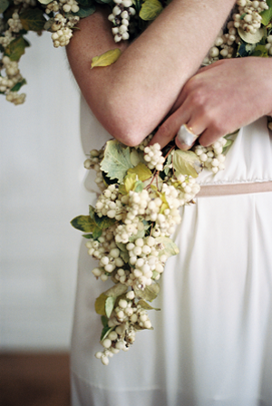 snowberry-wedding-garland