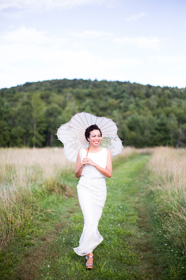 nancy-neil-bride-field-parasol