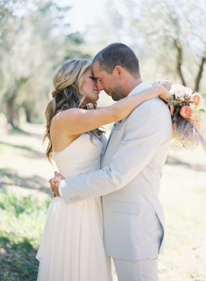 rylee-hitchner-sonoma-wedding-bride-groom-hug
