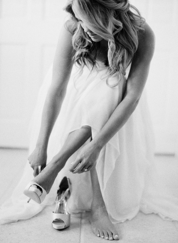 rylee-hitchner-wedding-sonoma-bride-getting-ready1