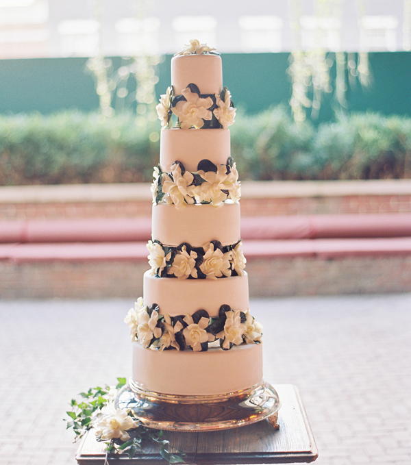 trent-bailey-new-york-bowery-hotel-wedding-cake4
