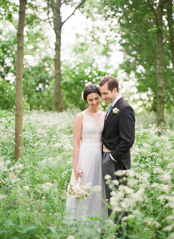 Polly-Alexandre-English-Country-Wedding-bride-groom-field4