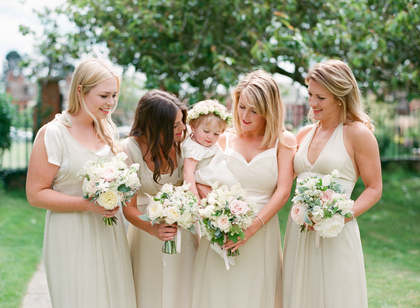 Polly-Alexandre-English-Country-Wedding-bridesmaids5
