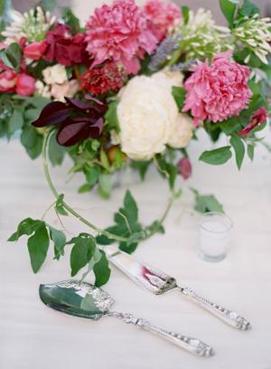 colorful-pink-and-green-wedding-flowers