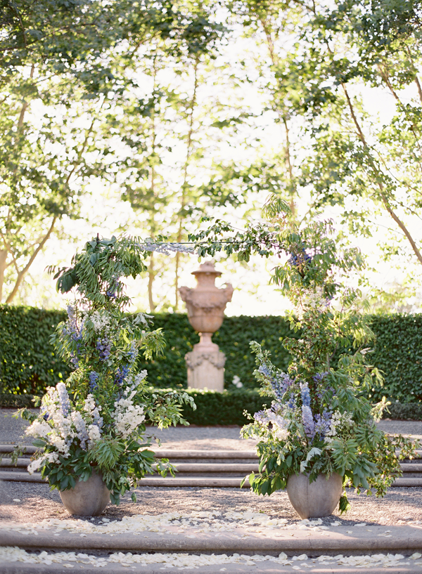 outdoor-wedding-ceremony-altar-ideas