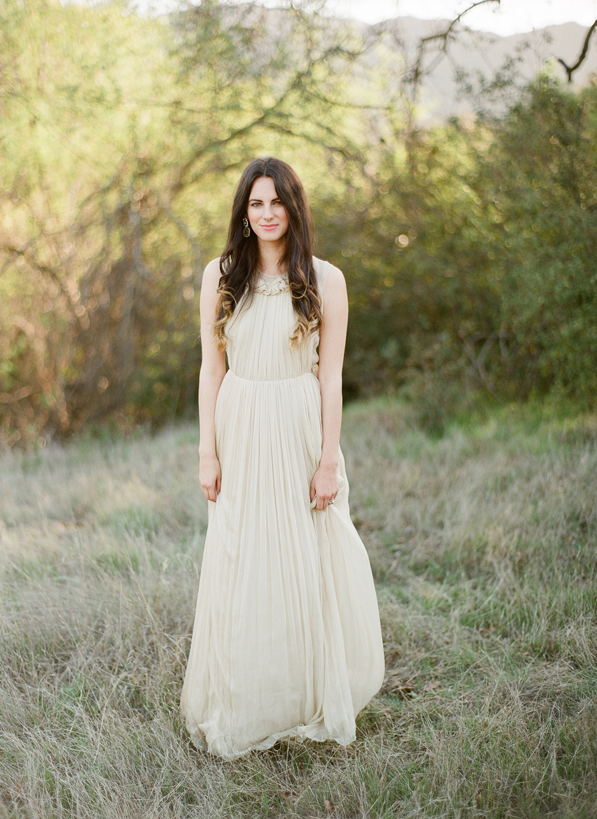 christine-donee-natural-photography-session-chloe-wedding-dress5