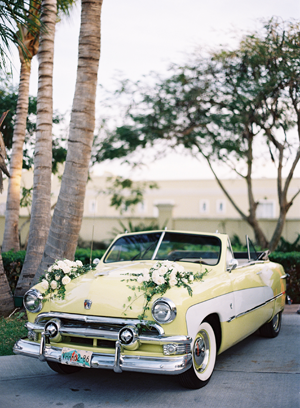 eric-kelley-vintage-yellow-car-getaway-mexico
