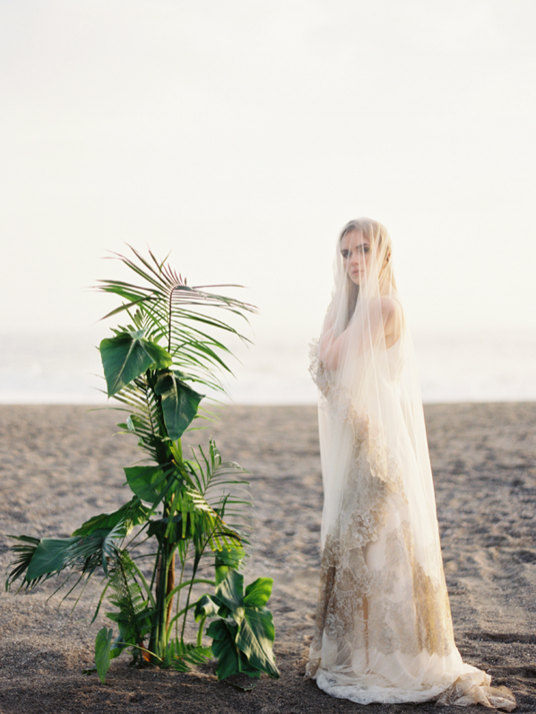 erich-mcvey-ginny-au-coastal-photoshoot-bride-veil-ocean-wedding