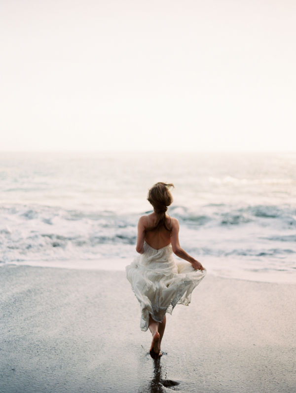 erich-mcvey-ginny-au-running-bride-shot-beach-wedding-ideas