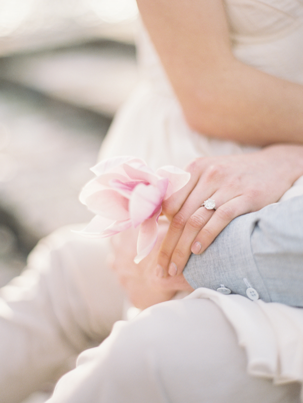 simple-natural-outdoor-engagement-session