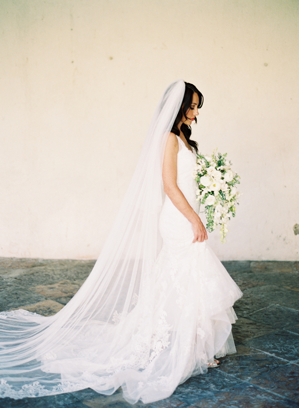bride-classic-floor-length-veil-mexico