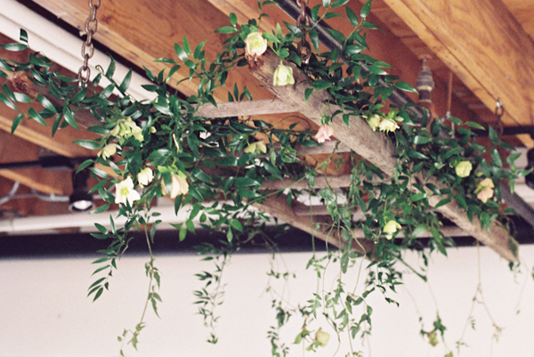 diy-spring-wedding-garland