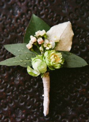 green-wedding-boutonniere