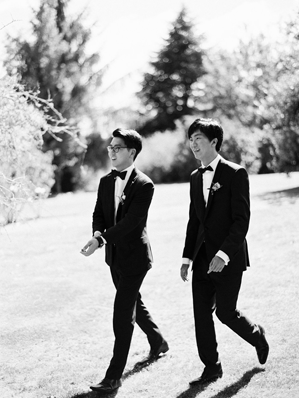 groomsmen-outfits-natural-wedding