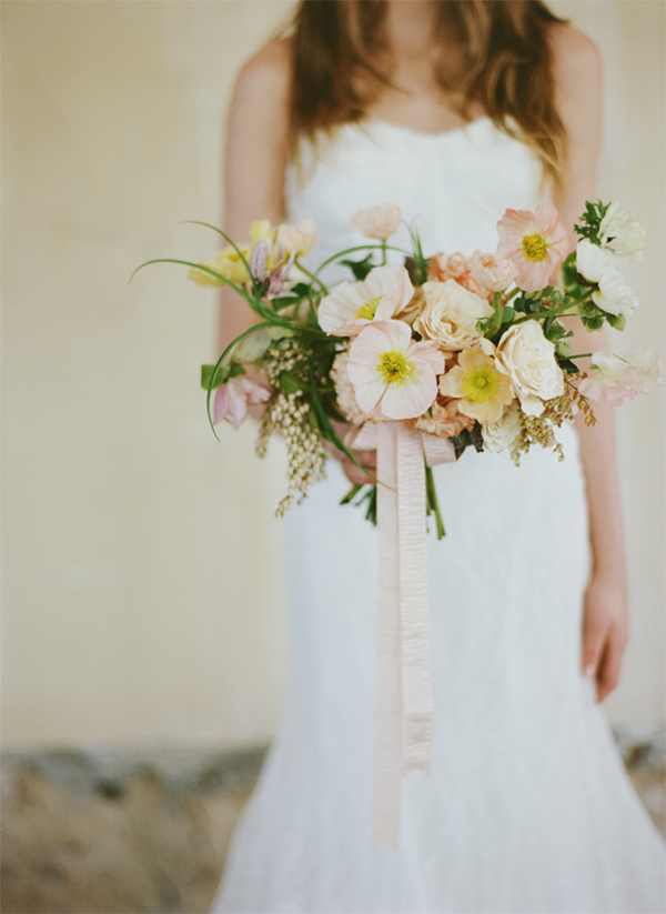 heather-hawkins-garden-wedding-bouquet-poppy-wildflowers