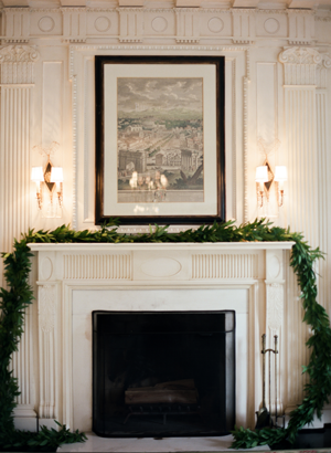 organic-white-wedding-mantle-garland-fireplace
