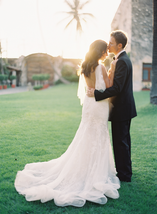 rylee-hitchner-mexico-wedding-bride-groom