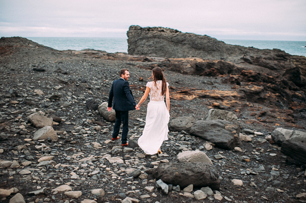 iceland-elopement-beach-rocks