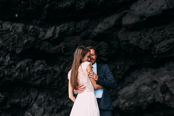 iceland-elopement-beach-wedding