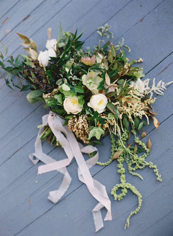 neutral-wedding-ideas-bouquet