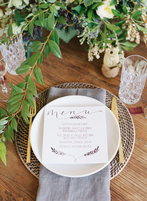 neutral-wedding-ideas-place-setting
