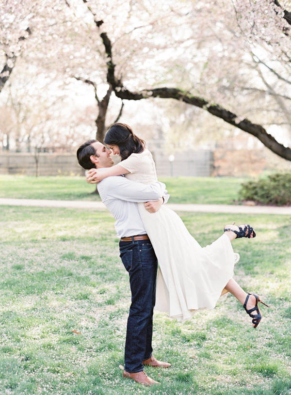 outdoor-natural-spring-engagement-session