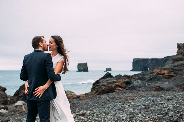 romantic-elopement-iceland-wedding
