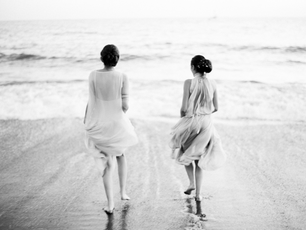 beach-wedding-photography-bridesmaids