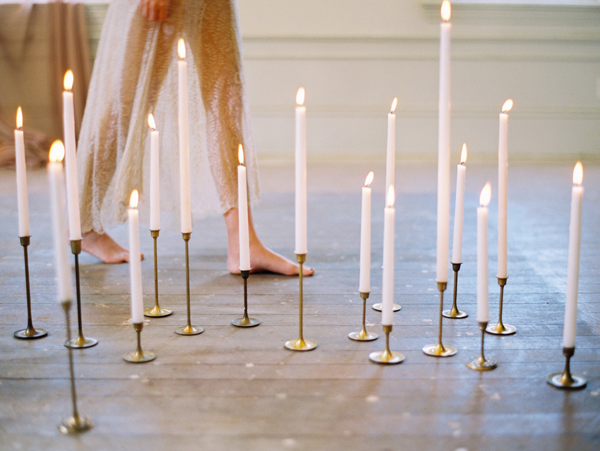 brass-candlesticks-wedding
