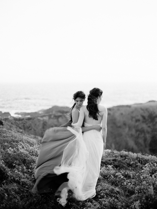 bride-bridesmaid-wedding-photography-beach-wedding