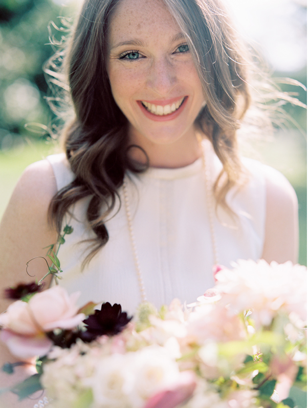 bright-wedding-portrait-pink-flowers