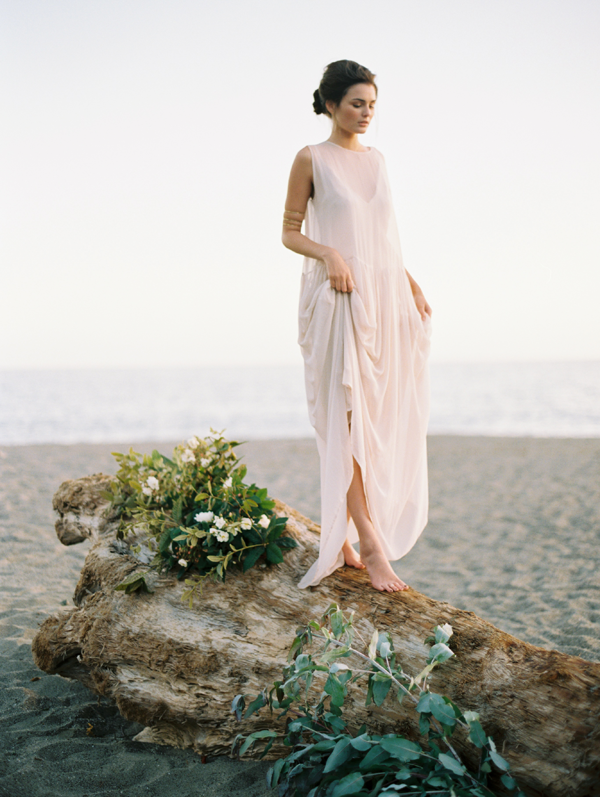 elegant-beach-wedding-portraits