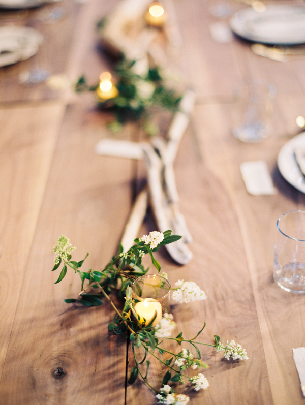 light-greenery-table-decor