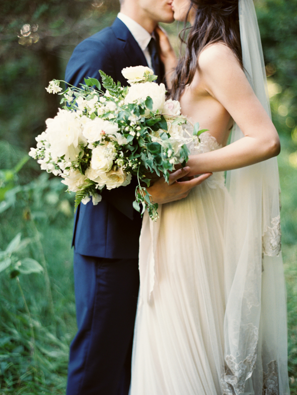 natural-foraged-wedding-bouquet-sarah-winward