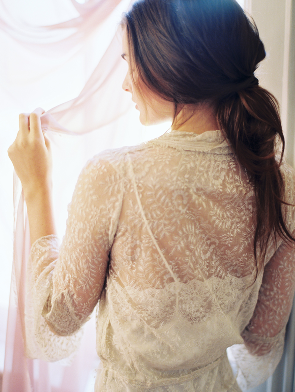 romantic-lace-wedding-boudoir-ideas
