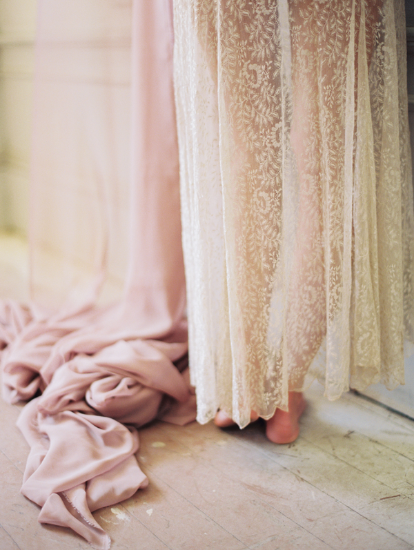 rwg-romantic-lace-boudoir-session7
