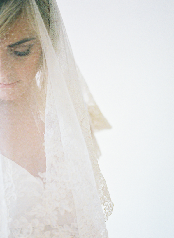 beautiful-veil-wedding-photography-shot