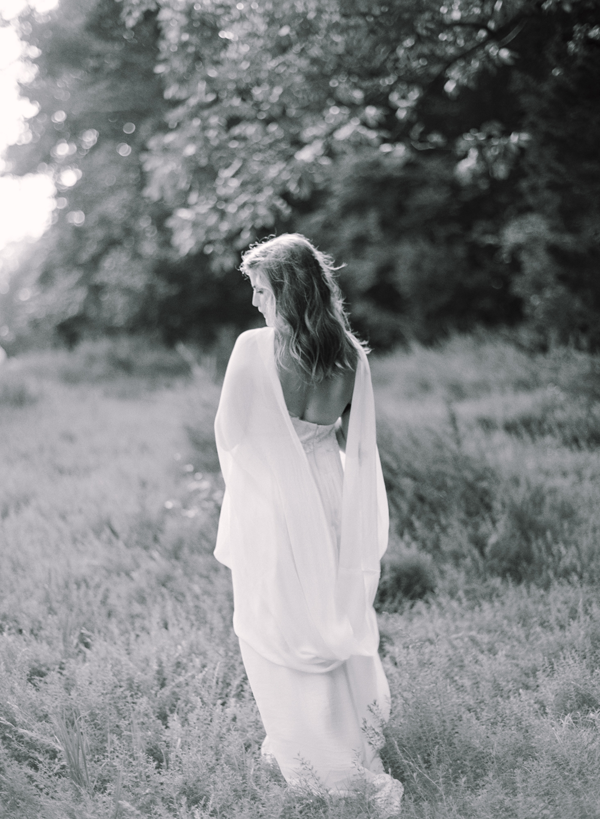 black-and-white-organic-outdoor-wedding-photography