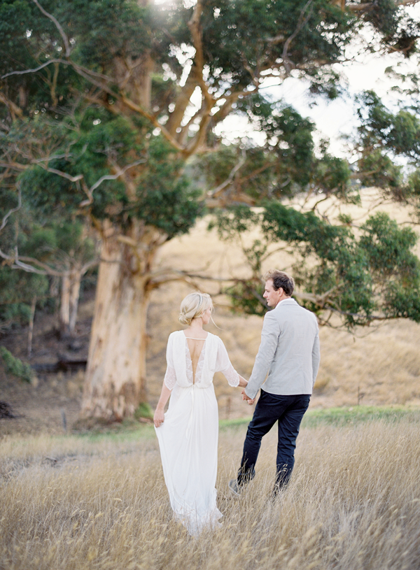romantic-outdoor-engagement-session-ideas