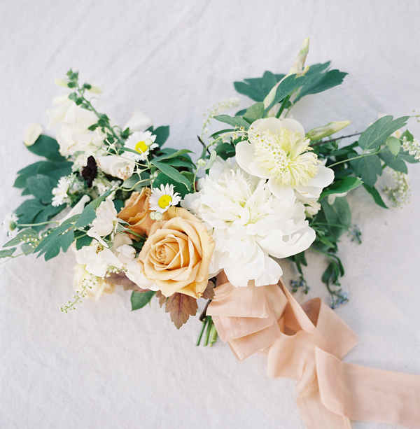 soft-pastels-wedding-bouquet