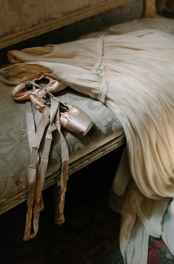 ballet-wedding-dress-detail-shot