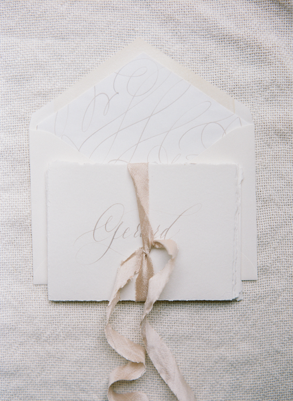 calligraphy-wedding-invitation-ideas