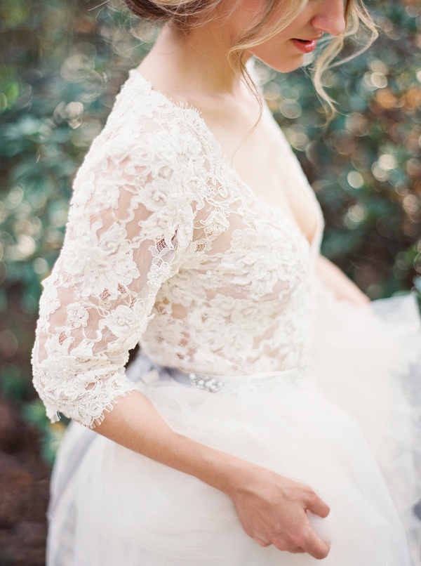 delicate-lace-vintage-wedding-ideas2