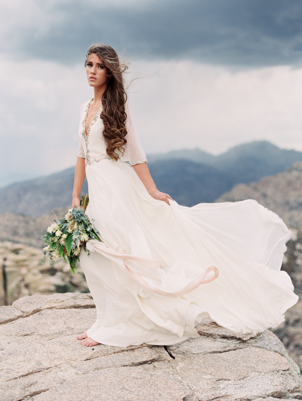 desert-wedding-shoot